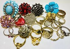 22 VTG 2 Not Rhinestone Costume Cocktail Ring Lot Gold Silver Tone Avon Crown PD