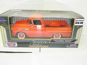 Motor Max 1/24 1958 Chevy Apache Fleetside red NIB!!!