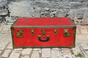 Vintage Red Suitcase/Trunk/Chest Storage - Locking w/ Key - 77x45x28.5cm