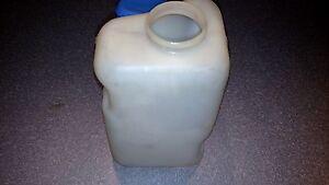 GM 1969 -1970 Pontiac Windshield Washer Fluid Bottle NOS Part # 9795710