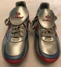 TIEBAO Silver/Red/Blue Sports Men's Soccer Cleats/Shoes Size: 7.5 EUC
