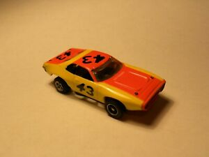 VINTAGE AURORA/AFX PLYMOUTH ROADRUNNER Slot Car with Running Chassis # 1904