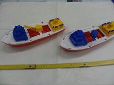 2 NAVI CON GRU ( 28 cm )  in plastica leggera vintage anni 80  ( barca barche )