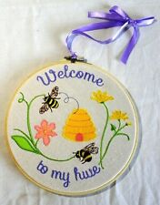 "NEW Embrioded ""Welcome to my Hive"" Bee Roundel Hanging Sign 21x21cm NO P&P"