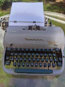 Remington VINTAGE 1958 Typewriter Rare With Case