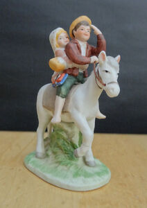 Norman Rockwell Museum OFF TO SCHOOL Figurine with Box NICE!!