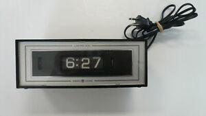 Vintage General Electric retro flip alarm clock tested works model 8142-4