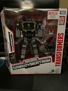 Hasbro Transformers Netflix War for Cybertron - Voyager Soundwave 7in. Action...