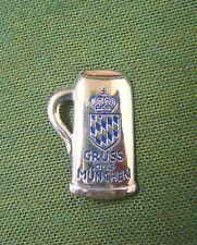 """Magnet kleiner Bierkrug mit Schrift """" Gruß aus München """" und Raute,  handbemalt"""