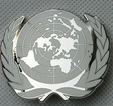 UN UNITED NATIONS METAL BERET CAP METAL PIN BADGE -32357