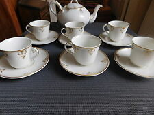 SERVICE A THE PORCELAINE DE PARIS VERS 1850 THEIERE 6 TASSES SOUS TASSES