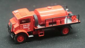 Trux 1:50 Late 1940's Chevrolet Blitz Wagon Fire Fighting Tanker