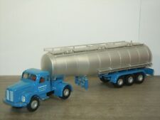Scania 76 Vabis with Petrol Tanker Jawico - Tekno Holland 1:50 *43161