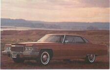 Cadillac Sedan De Ville for 1976 original USA issued Postcard