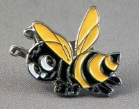CARTOON BEE - LAPEL PIN BADGE - BEES HIVE HONEY  (DB-25)