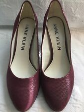 ANNE KLEIN 11M Aklolana Burgandy Reptile Print Leather Pointed Toe Pump Heels
