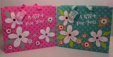 Carta da regalo e accessori rosa