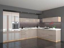 Küche Hochglanz beige  L Form 360 x 220 cm ohne Geräte.