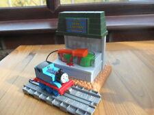 Take Along n play Thomas Tank Engine & Friends - SODOR PAINT STATION & THOMAS