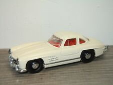 Mercedes 300SL Gullwing - Dinky DY DY-12 1:43 *31888
