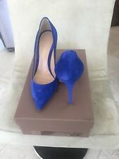 Gorgeous Gianvito Rossi blue suede pumps size 7!