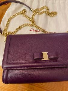 100%AUTH SALVATORE FERRAGAMO MISS VARA Purple BOW WALLET ON CHAIN CROSSBODY BAG