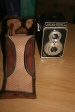 Halina Prefect 6x6 TLR Camera with Meniscus F8 Lens. Untested