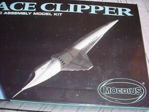 NEW Moebius Space Clipper 2001: A Space Odyssey Sci-Fi Movie Ex Aurora Kit