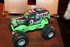 Hot Wheels Monster Jam Grave Digger Die-Cast Vehicle 1:24 Scale