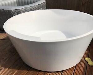 Round Bath Tub 1.5 meters wide