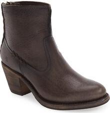 NIB FRYE Womens Leslie Artisan Short Smoke Leather Ankle Bootie US 7.5 Back Zip