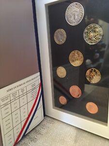 Coffret BE France 2005, 9 pieces de 1ct à 2 euro + 5 euro Panthéon Belle Epreuve