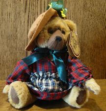 "Shelly Bears Heartfelt Plush #CSA044 CAROL, 9"" NEW/Tag Jointed Dressed Bear"