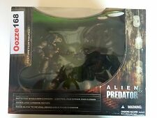 MCFARLANE TOYS MOVIE MANIACS SERIES V ALIEN & PREDATOR DELUXE BOX SET FIGURE NIB