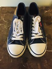 Men's Levi Size 8 Canvas Sneakers Very Good Condition!