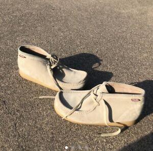 Mens Clarks Original Wallabees Shoes Tan Suede Leather Gum Sole Men's 9.5
