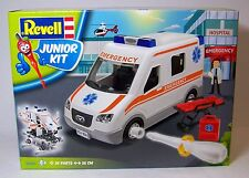 Revell Junior Kit 1/20: Emergency / Ambulancia con accesorio