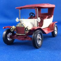 Matchbox MOY Y 1-2 1911 Ford Model 'T' Sedan - White and Red - Variation 22
