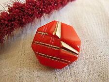 ancien bouton en verre Rouge  argenté année 40/50 polygones 2,1 cm G1J