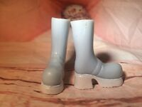 "Bratz 9"" Girlz Girls Doll Clothing Shoes Boots Blue Snow Winter Wonderland Jade"