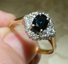 Beautifully Classic Vintage 18ct Yellow Gold Sapphire & Diamond Cluster Ring