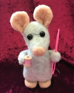 Needle Felted Sewing Mouse