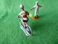COUREUR CYCLISTE  DU TOUR DE FRANCE  + RAVITAILLEUR   SALZA 1970 :  N° 11 - TBE
