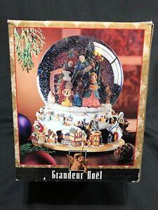 Grandeur Noel Water Snow Globe Christmas Nativity Animated Musical in Box