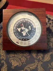Antike Seiko Quartz Weltzeituhr Holzgehäuse mit Flugzeug Tischuhr