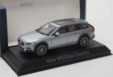Volvo V90 Cross Country ( 2017 ) silber met. / Norev 1:43