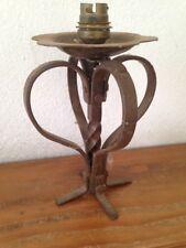 Ancien et beau pied de lampe arabesques en fer forgé vintage