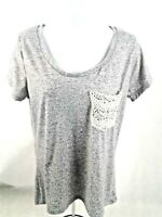 BKE Womens Gray Tee Shirt w/Lace Pocket - Scoop Neck Size S