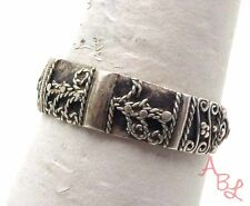 Sterling Silver Vintage 925 Floral Repousse Ring Sz 8.5 (3.4g) - 561138