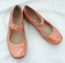 Clarks Ladies Shoes Sz 7,Mary Jane Orange Flat Comfort Air